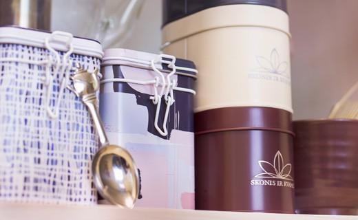 Dėžutės arbatai ir kavai